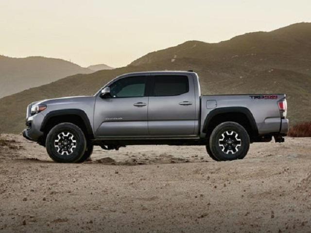 2021 Toyota Tacoma TRD Sport side view