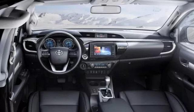 2021 Toyota Hilux facelift interior
